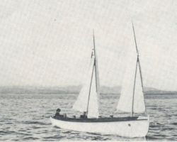 Royal Navy 30 foot gig under sail